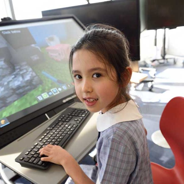 girls write programs in course